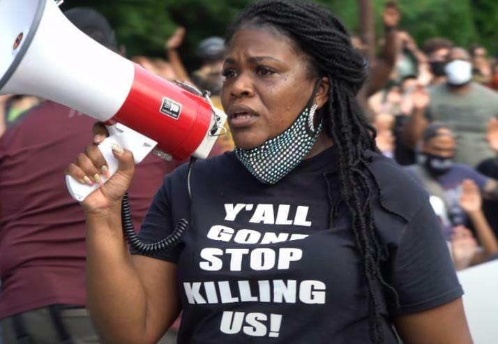 US: Did Congresswoman Cori Bush Send a 'White Supremacist Hate Message' to Herself?